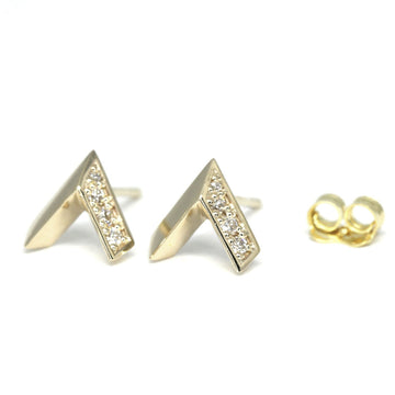 Yellow Gold Arrow Stud Earrings and Diamond