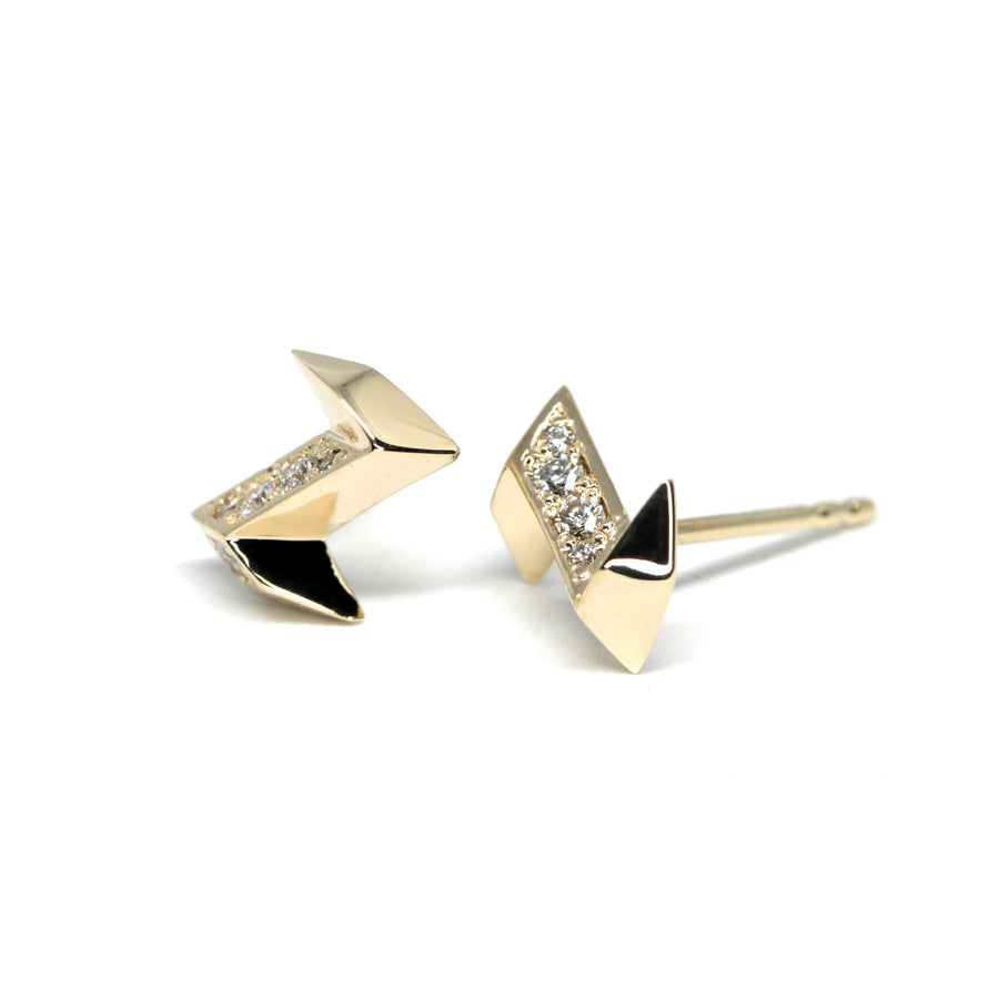 Yellow Gold Arrow Shape Stud Earrings Made in Montreal Bena Jewelry Side View