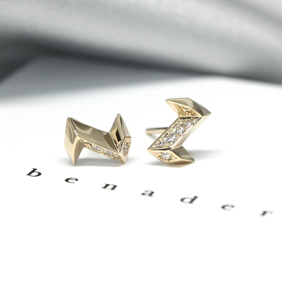 Eletric shape yellow gold stud earrings Bena Jewelry Montreal Made in Canada