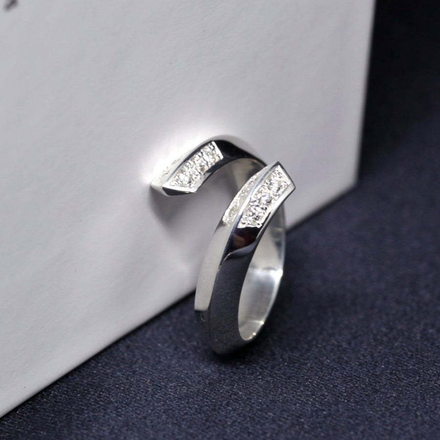 Diamond Simple Ring - Gold or Silver Band - 0.17 ct