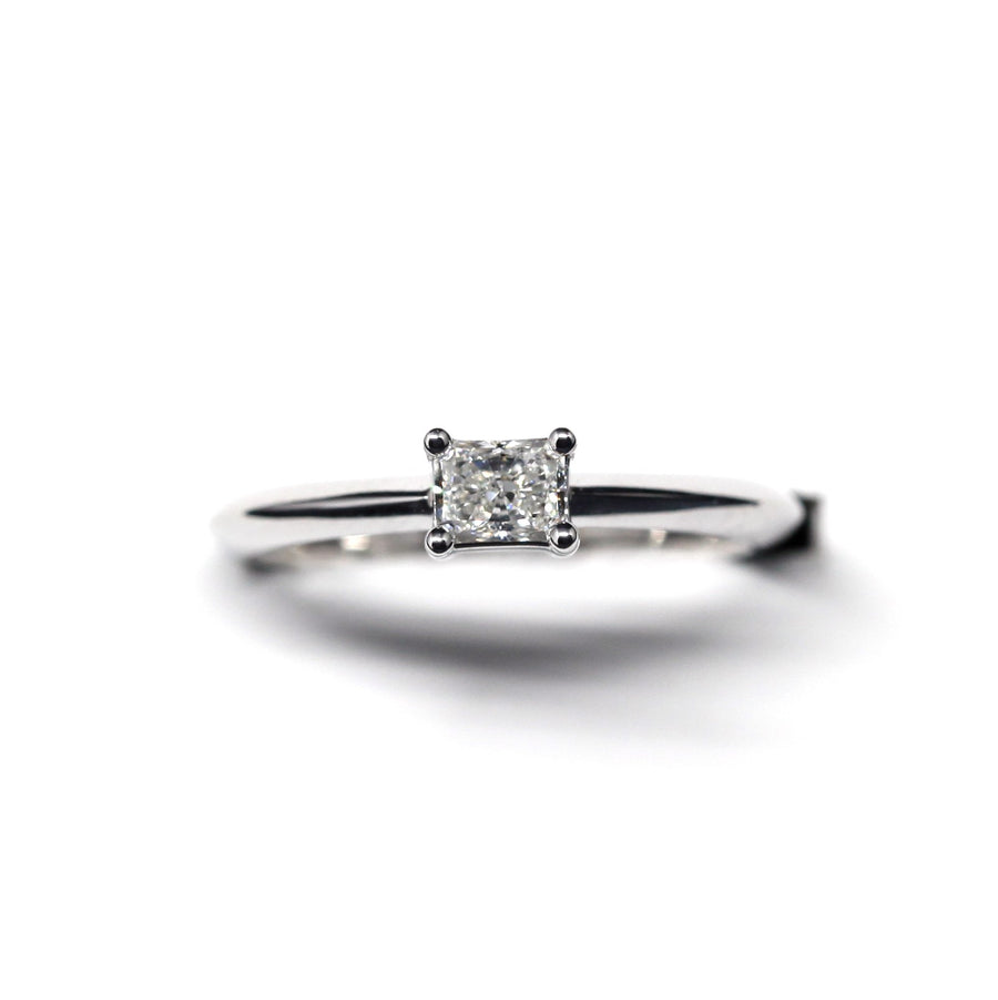 White Gold Ring Radiant Diamond - 0.30 ct