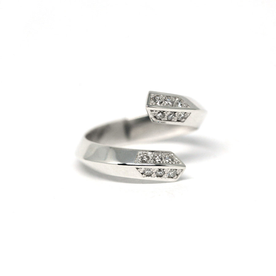 Side view Spin Collection Fine Jewelry Silver Ring and Small Round Diamond Design by Bena Jewelry Montreal Made in Canada