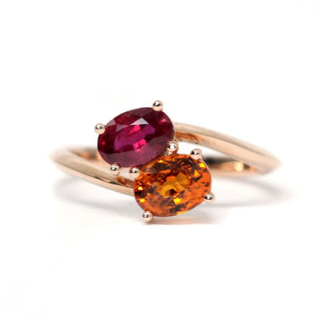 oval toi et moi rose gold ruby gemstone and orange garnet bridal ring engagement custom bridal jewelry bena jewelry montreal made in canada