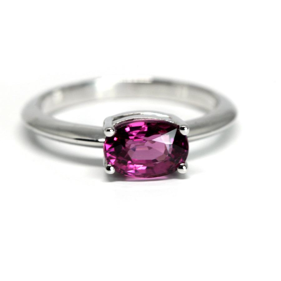 Oval Raspberry Red Rhodolite Garnet Gold Ring