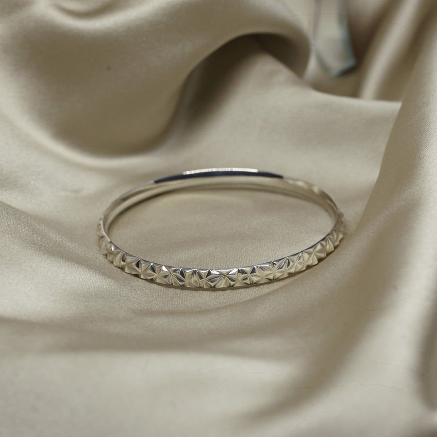 Bangle bracelet. Silver gold plated. Fine Jewelry made in Canada