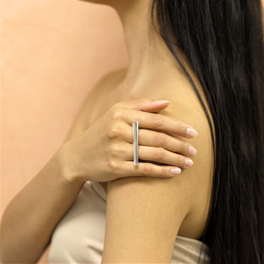 Girl Wearing Short Double Finger Silver Fine Jewelry