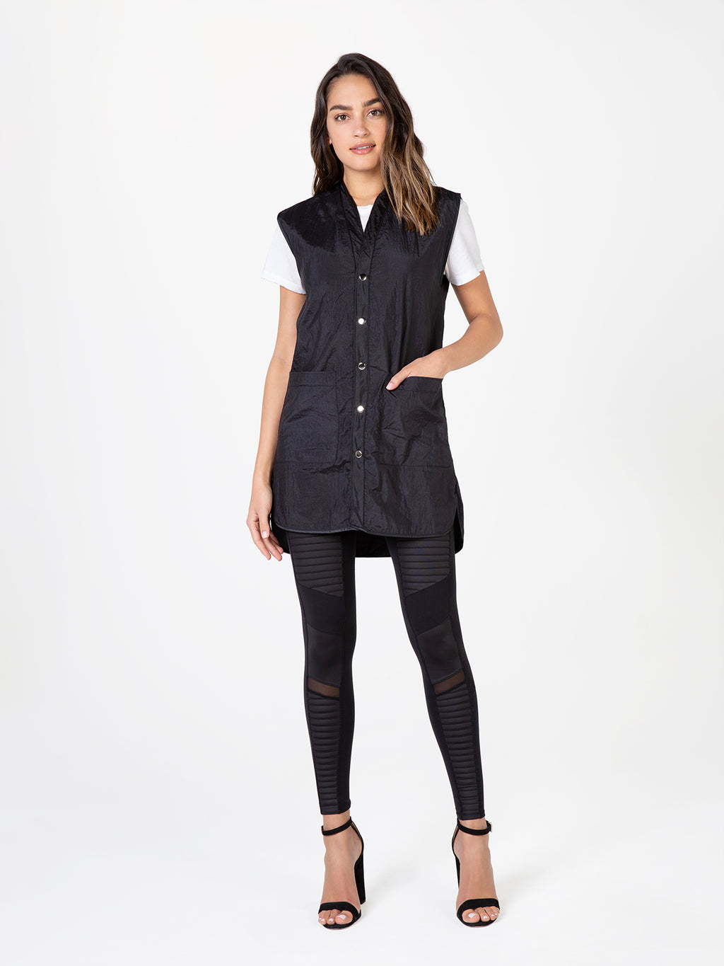 Betty Dain Vest for Hair Stylists with Pockets