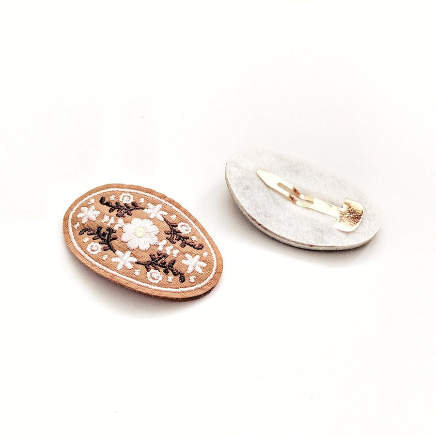 Ponponia :: Flowery Embroidered Hair Clip - Light Taupe