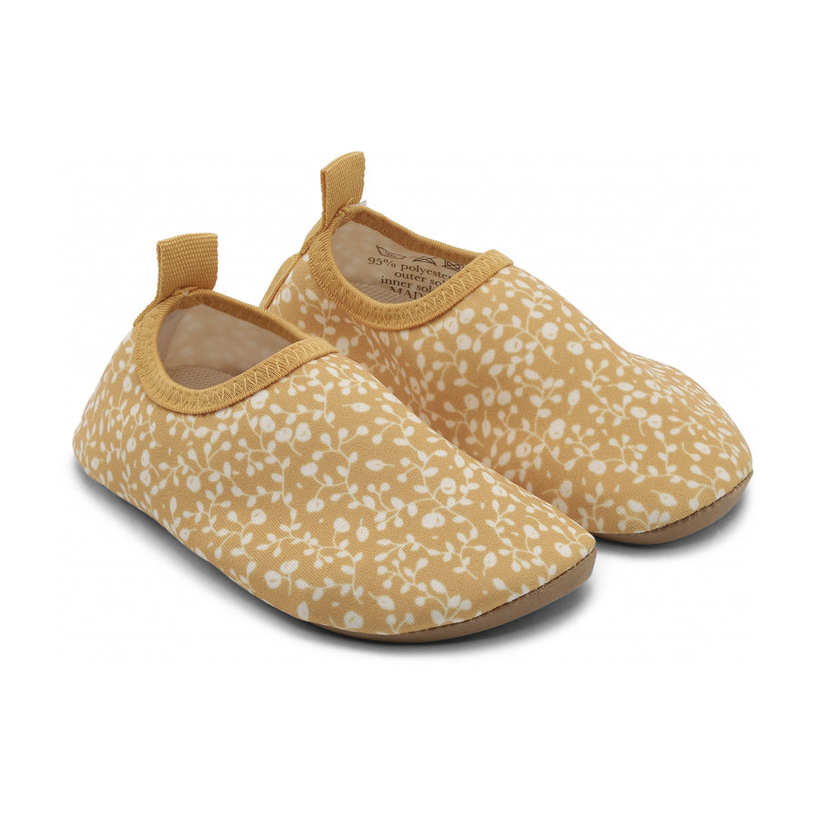 Konges Slojd :: UV Swim Shoes Blossom / Mist Sunspelled