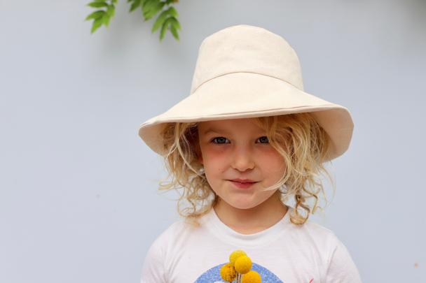 Small Lot :: Child's Canvas Hat - Natural