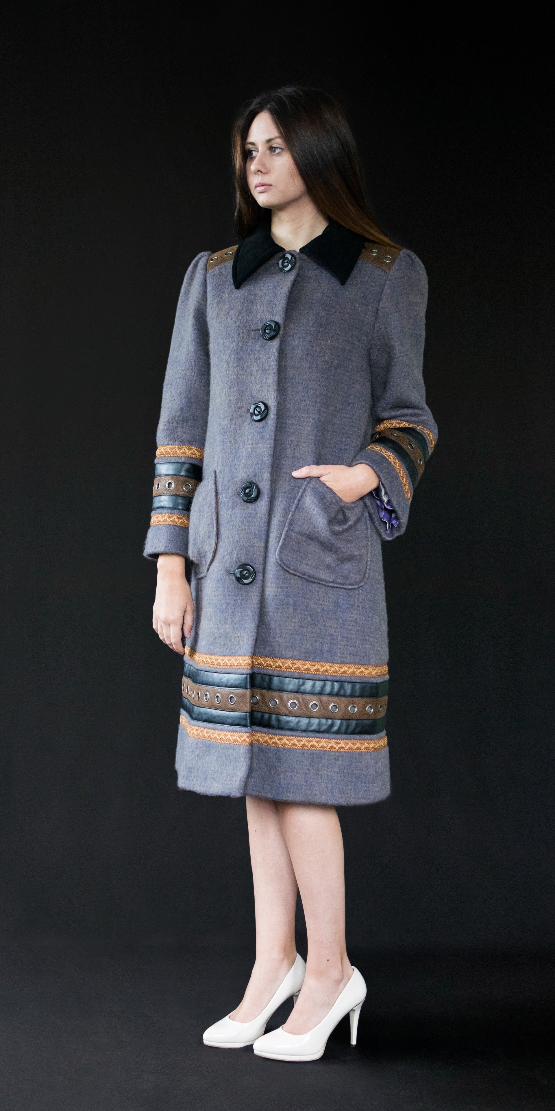 Coat grey (wool + vintage embroidery) M/38