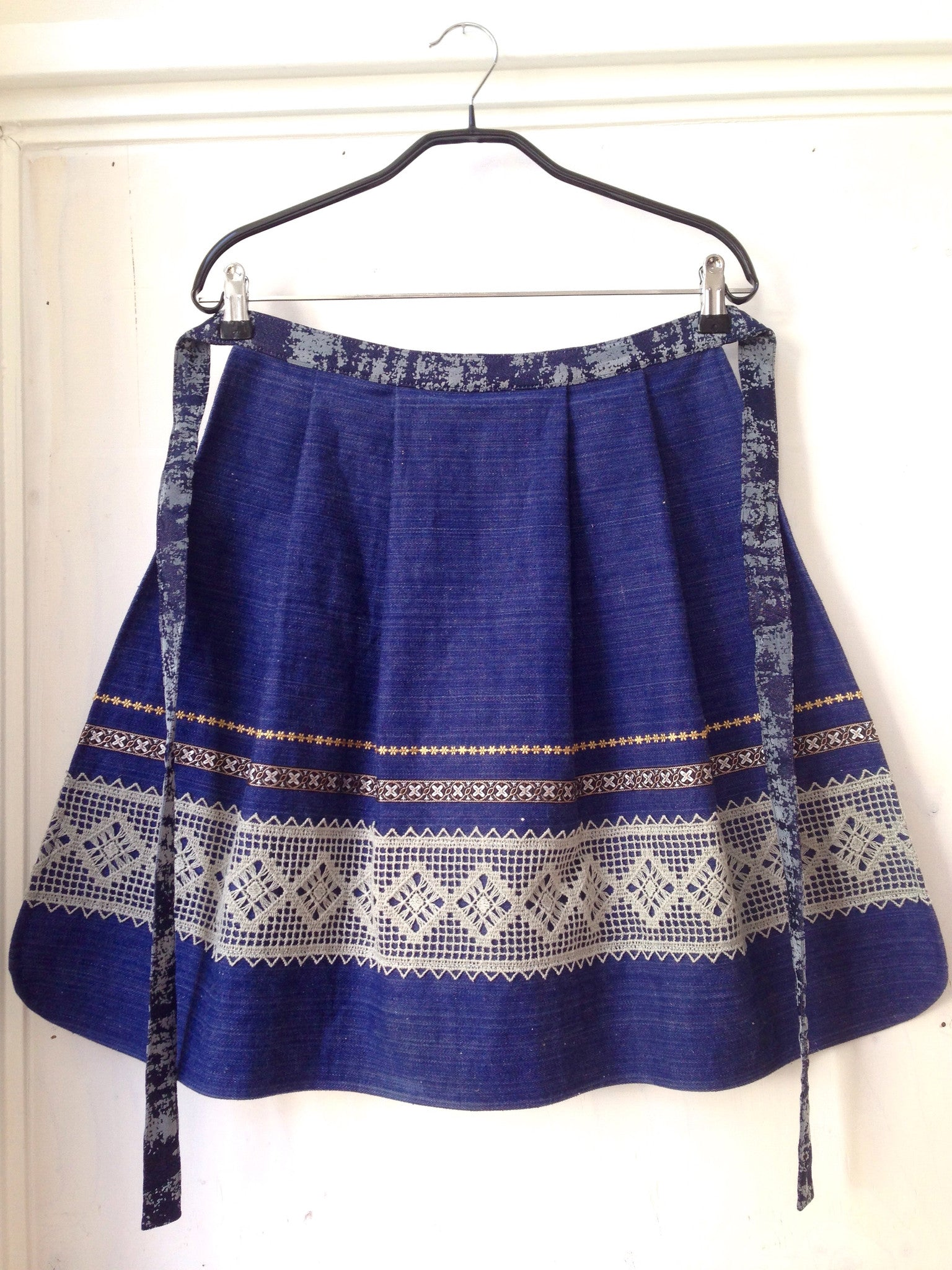 Skirt/apron - denim with ribbons (one size)