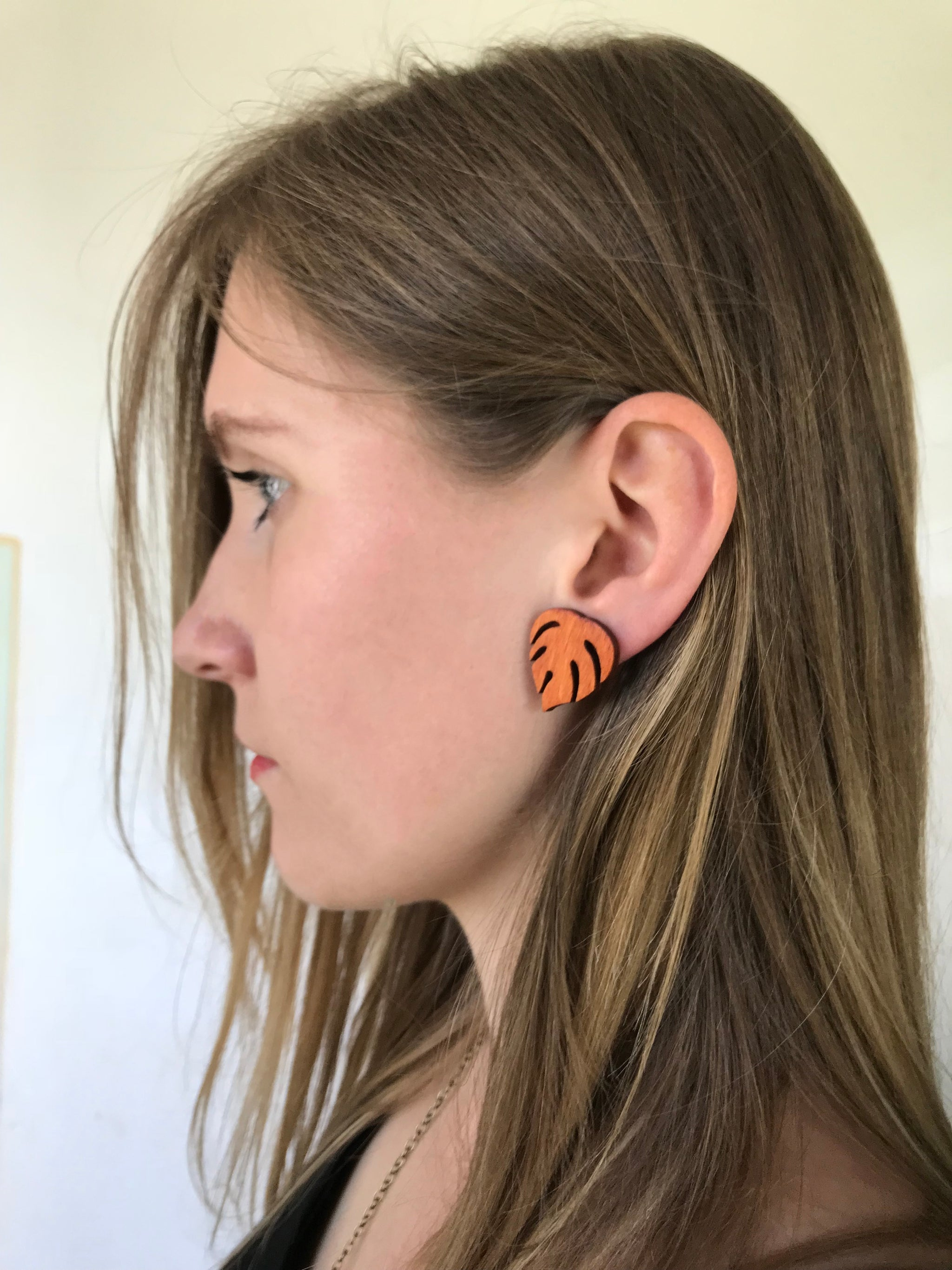 Earrings - Small Monstera (orange teak)