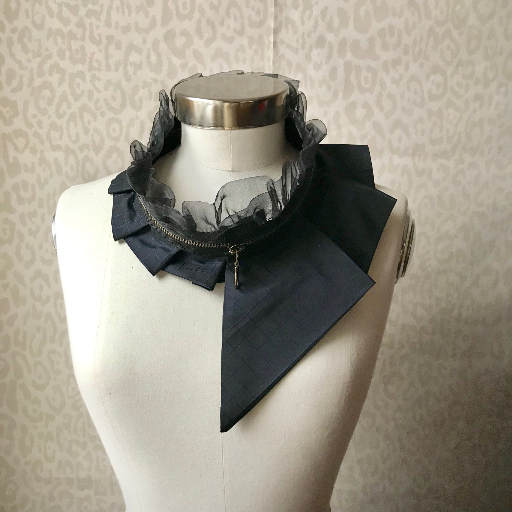 Zipper collar necklace #284