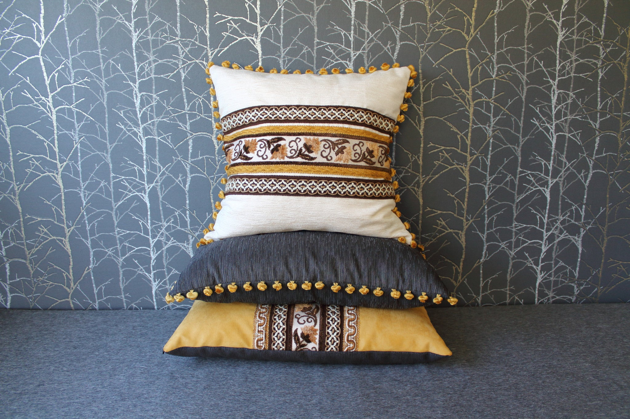 "15x23""or 40x60cm lumbar pillow - grey with yellow pompoms"