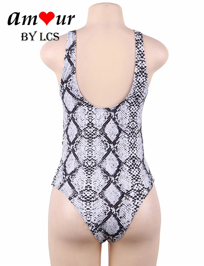 Elegant and Sexy Contrasting Colors Swimsuit