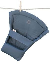 Beco Soleil Carrier Infant Insert - Grey. It's a Sling Thing - the babywearing experts. The best baby slings, wraps and carriers available to buy online.