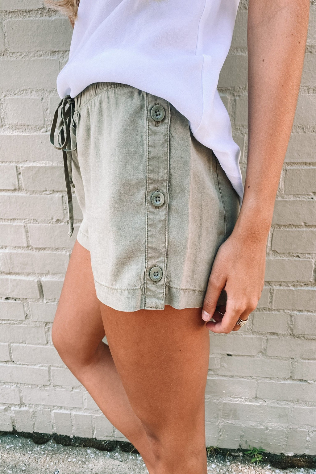 Button Side Short