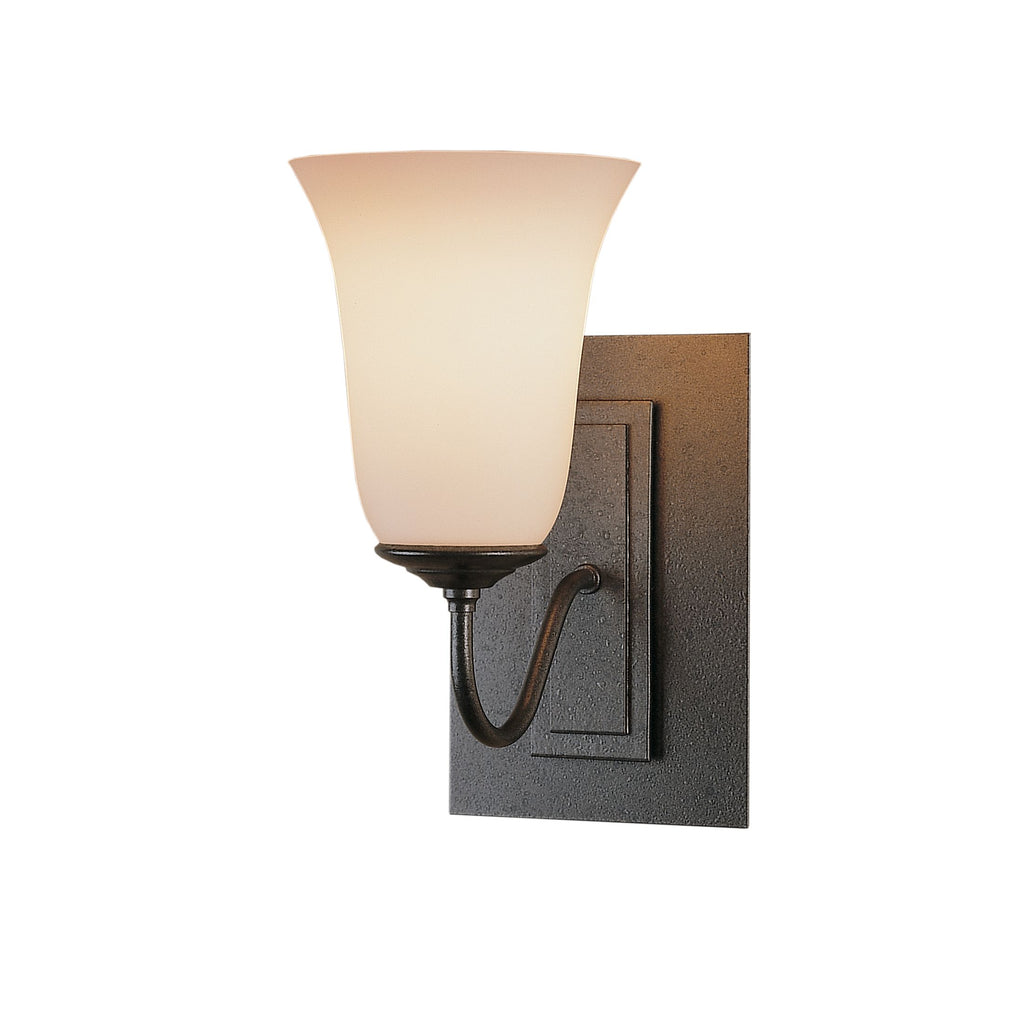 Traditional 1 Light Sconce