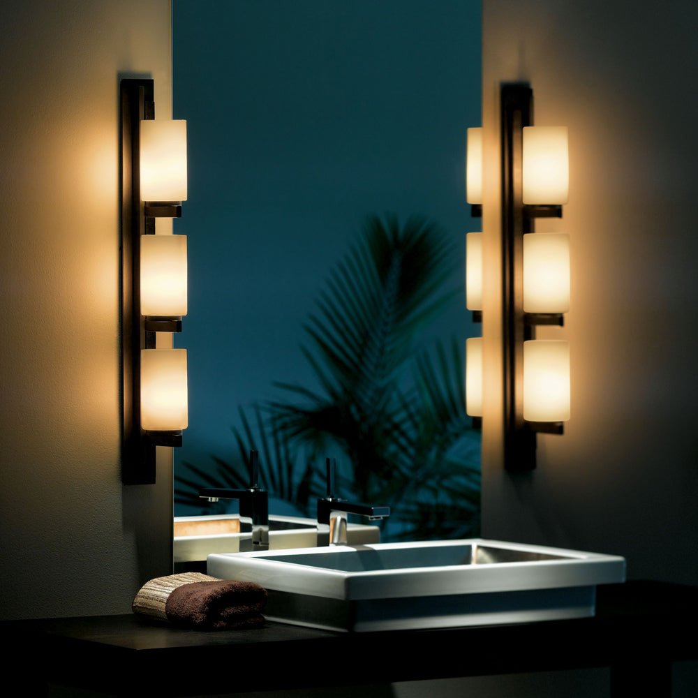 Ondrian 3 Light Vertical Sconce