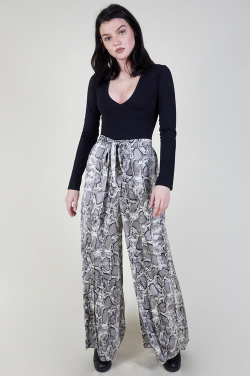 Snake A Minute Wide Leg Pant - Grey