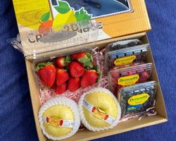 GIFT BOX 4 Berry Medley and Golden Asian Pears