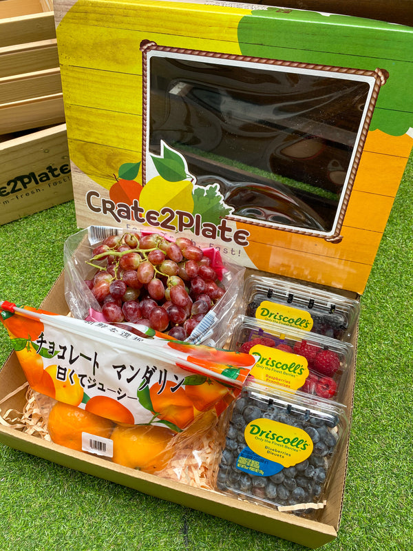 Gift Box Red Grapes, 3 Berry Medley and Japan Ponkan