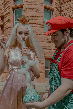 Princess and Mario hit a Zong Water Pipe