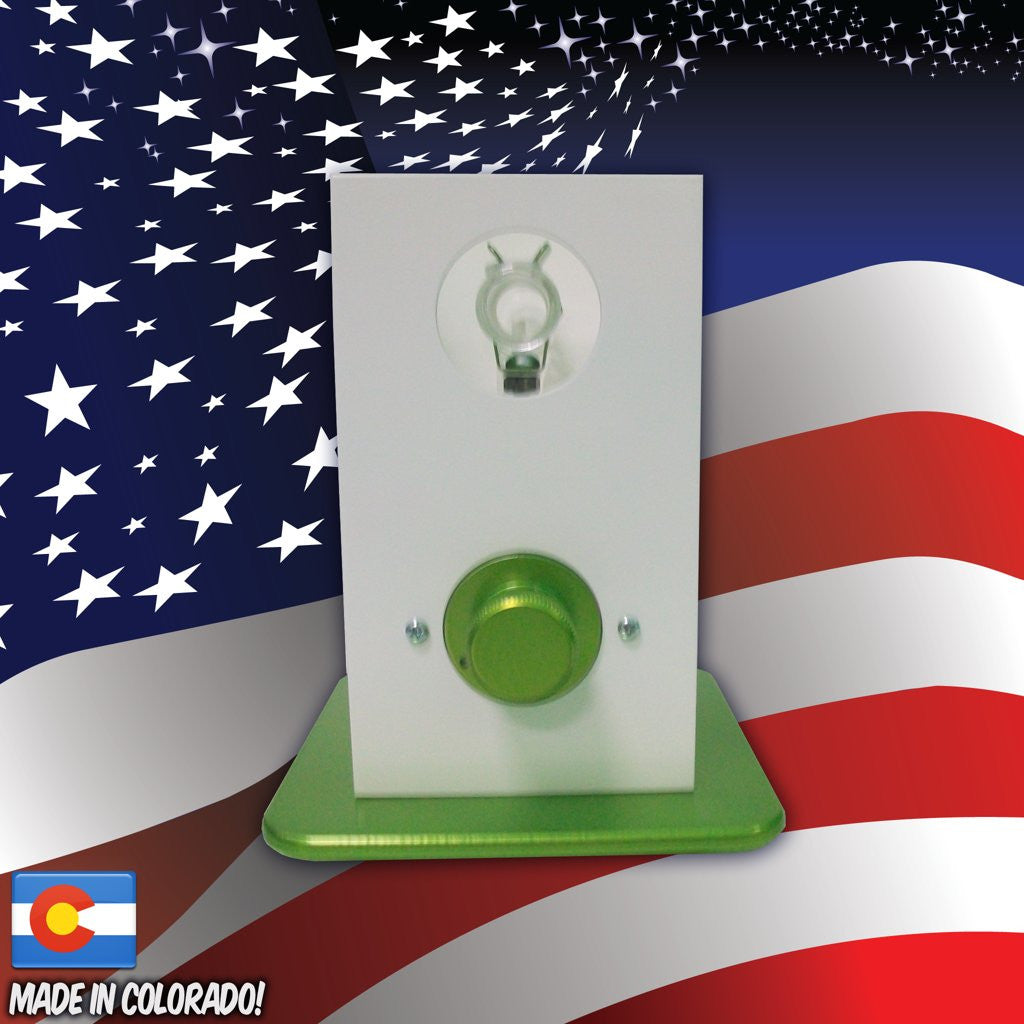 THe Can Vapor System desktop vaporizer White and Green