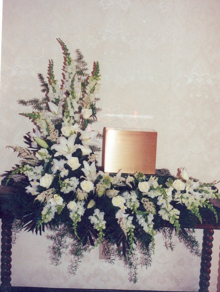 L Shaped Urn Tribute – All White - Beaudry Flowers