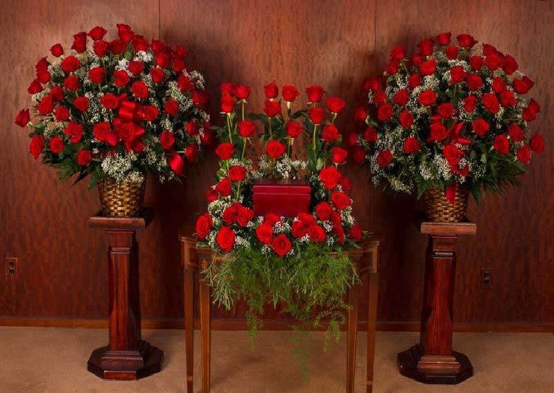 Urn Tribute: All Roses – All red - Beaudry Flowers