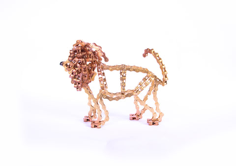 Lion Small - Lion sculpture, made of bicycle chains