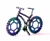 Lance 1 - Bicycle sculpture, made of bicycle chains