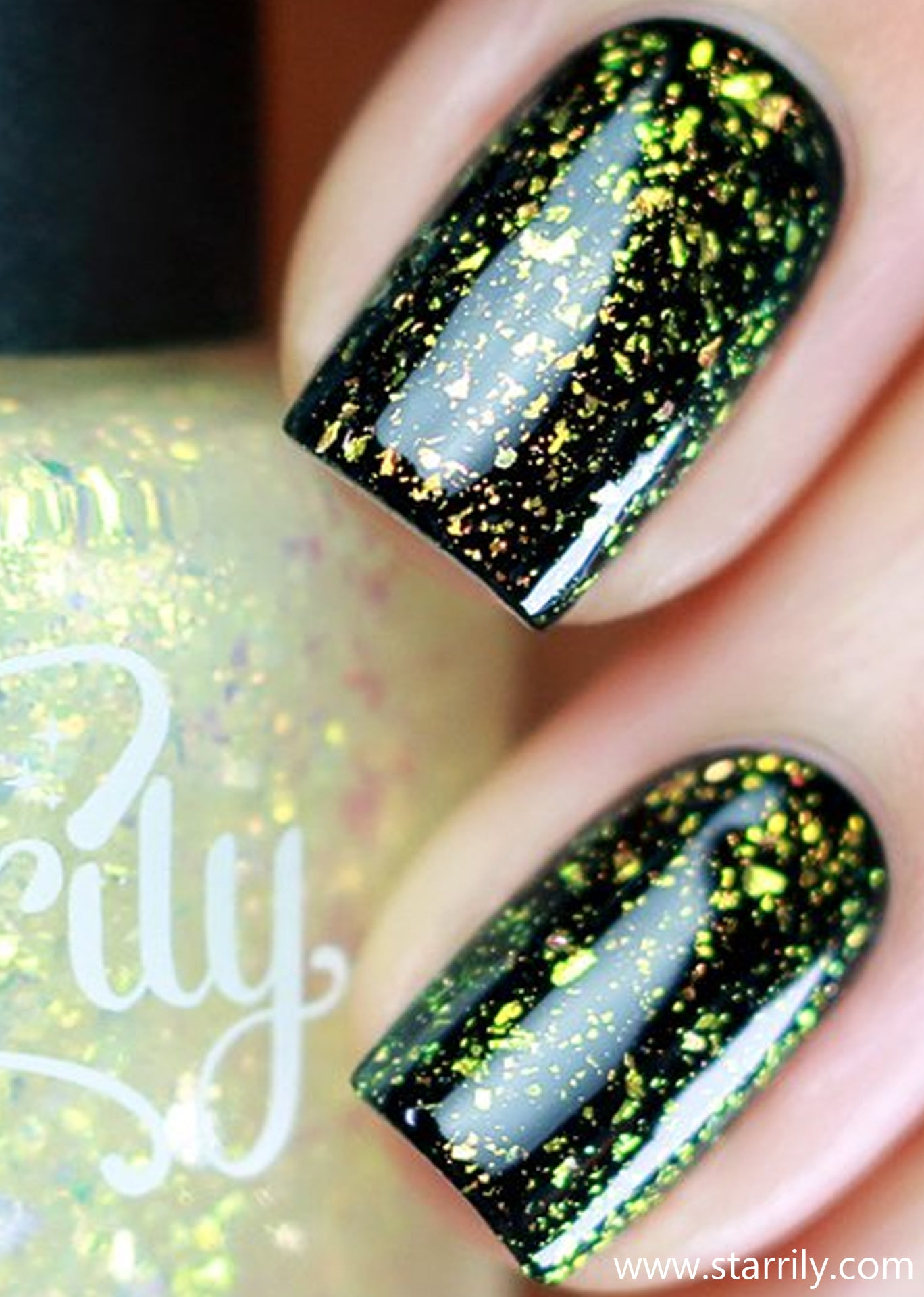 Lumos contains clear gold iridescent multichrome flakes