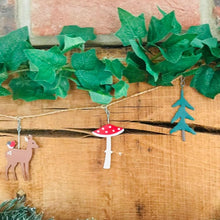 Load image into Gallery viewer, Woodland Deer and Toadstool Garland