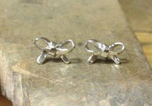 Load image into Gallery viewer, Sterling Silver Bow Earrings