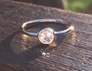 Handmade 4mm Morganite ring