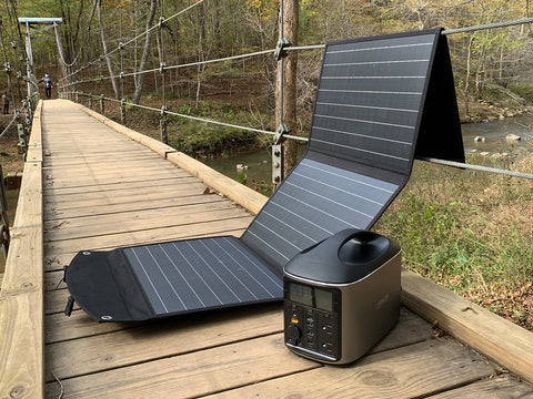 Charging the H740 PRO Portable Power Station via solar panel