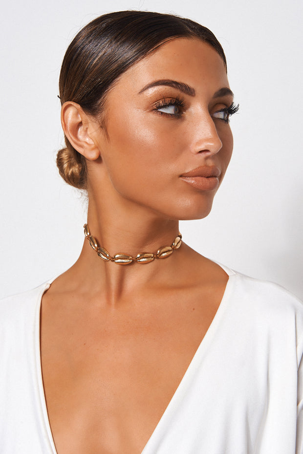 Gold Sea Shell Choker Necklace