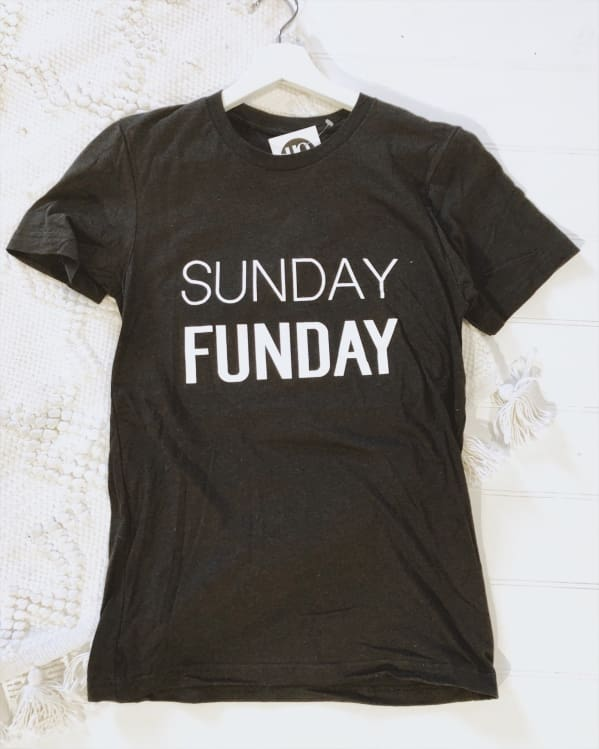 SUNDAY FUNDAY unisex tee [heather black]