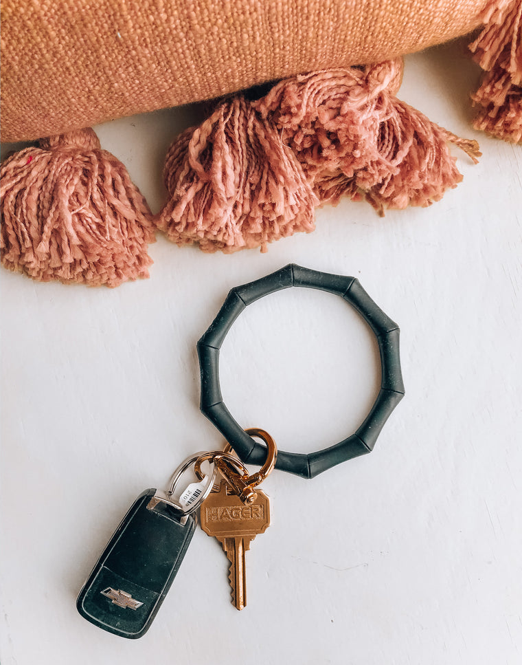 BAMBOO INSPIRED KEY RING BANGLE [indigo]