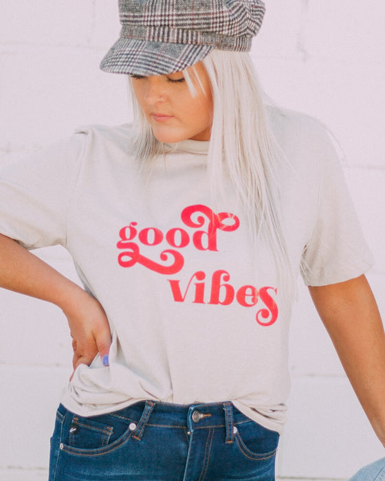 GOOD VIBES tee [taupe/red]