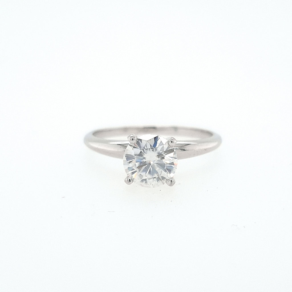 Delicate 4 Claw Solitaire Ring