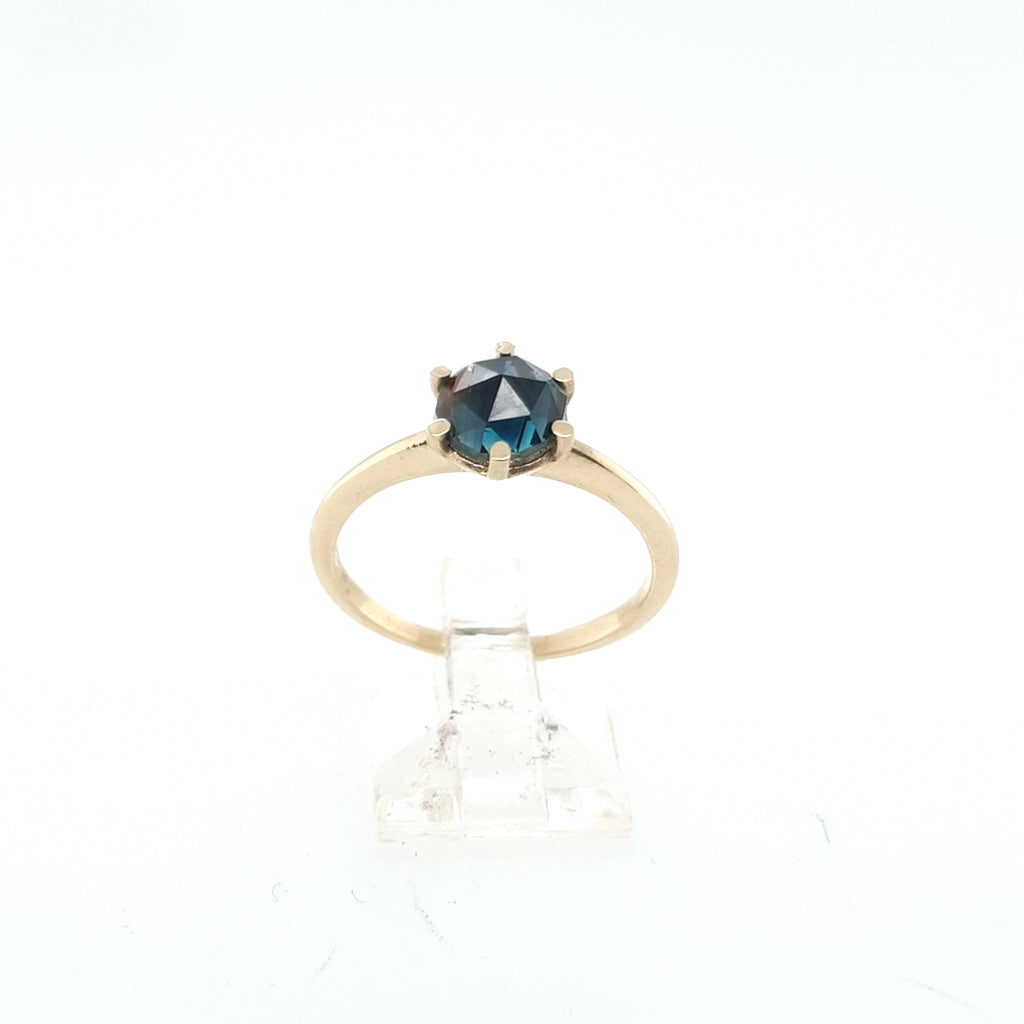 Rose cut Partii Sapphire Solitaire
