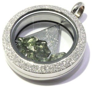 Load image into Gallery viewer, Tumbled Moldavite Muonionalusta Meteorite Floating Locket