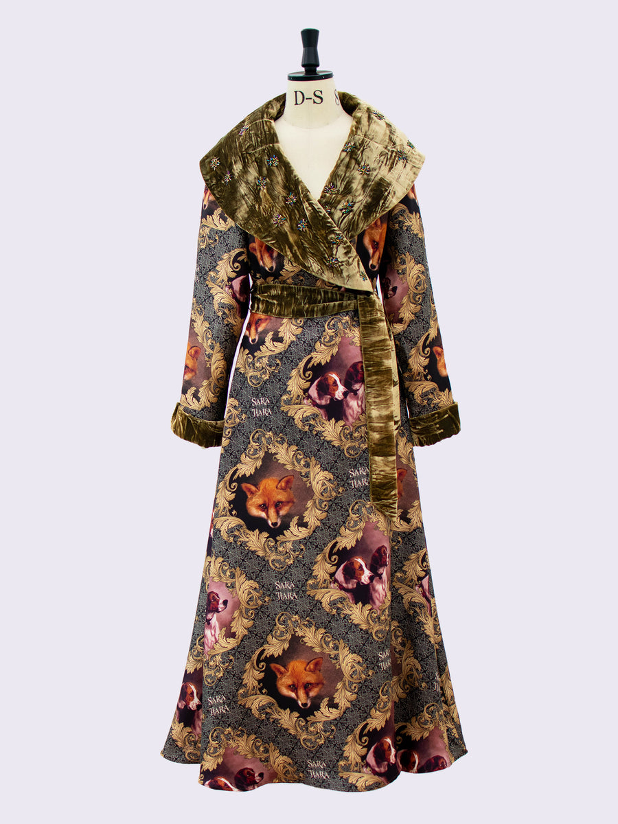 Beaded Heritage Housecoat. Fox and Hounds Print