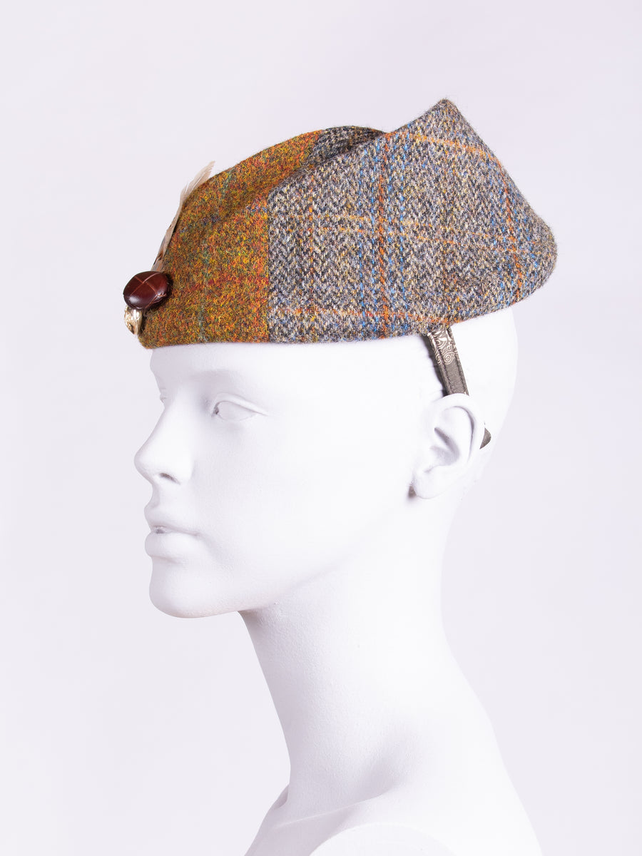 Heritage fashion - chapeau tweed hat with short feathers