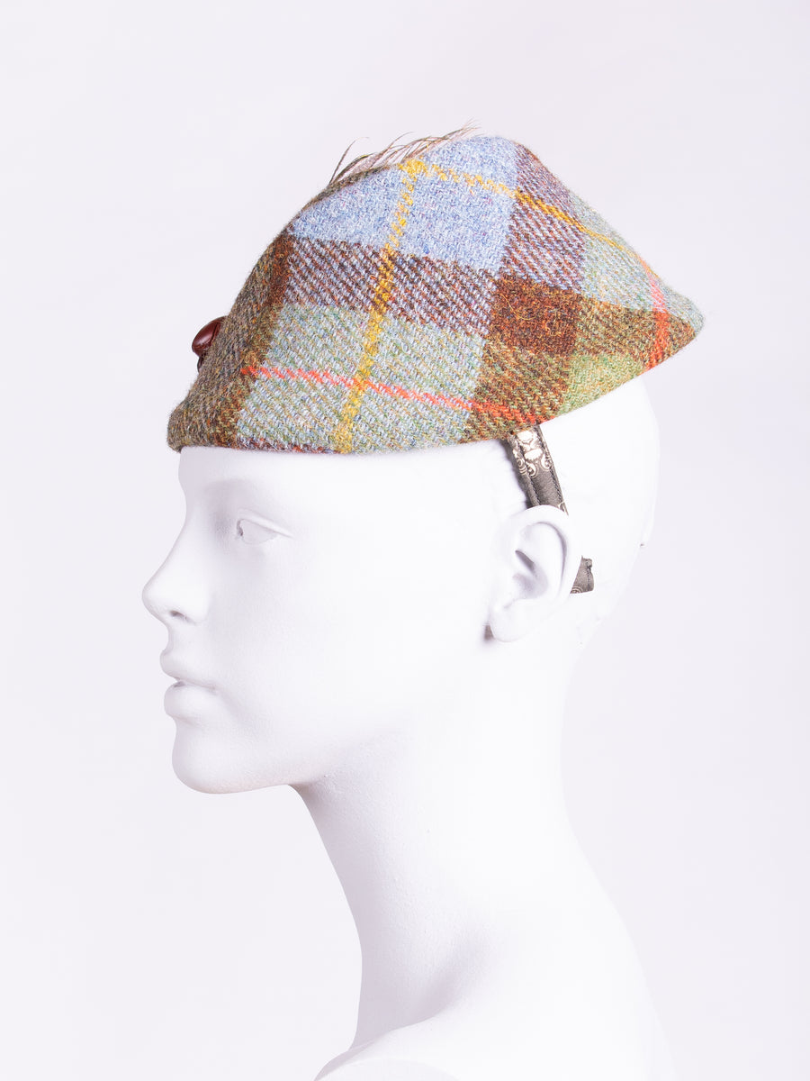 Short Feather Highland Pleat. Macleod Tweed