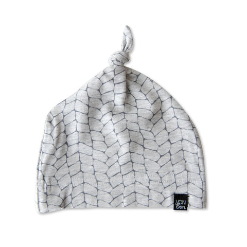 KNOTTED BABY HAT | CABLE GRAY