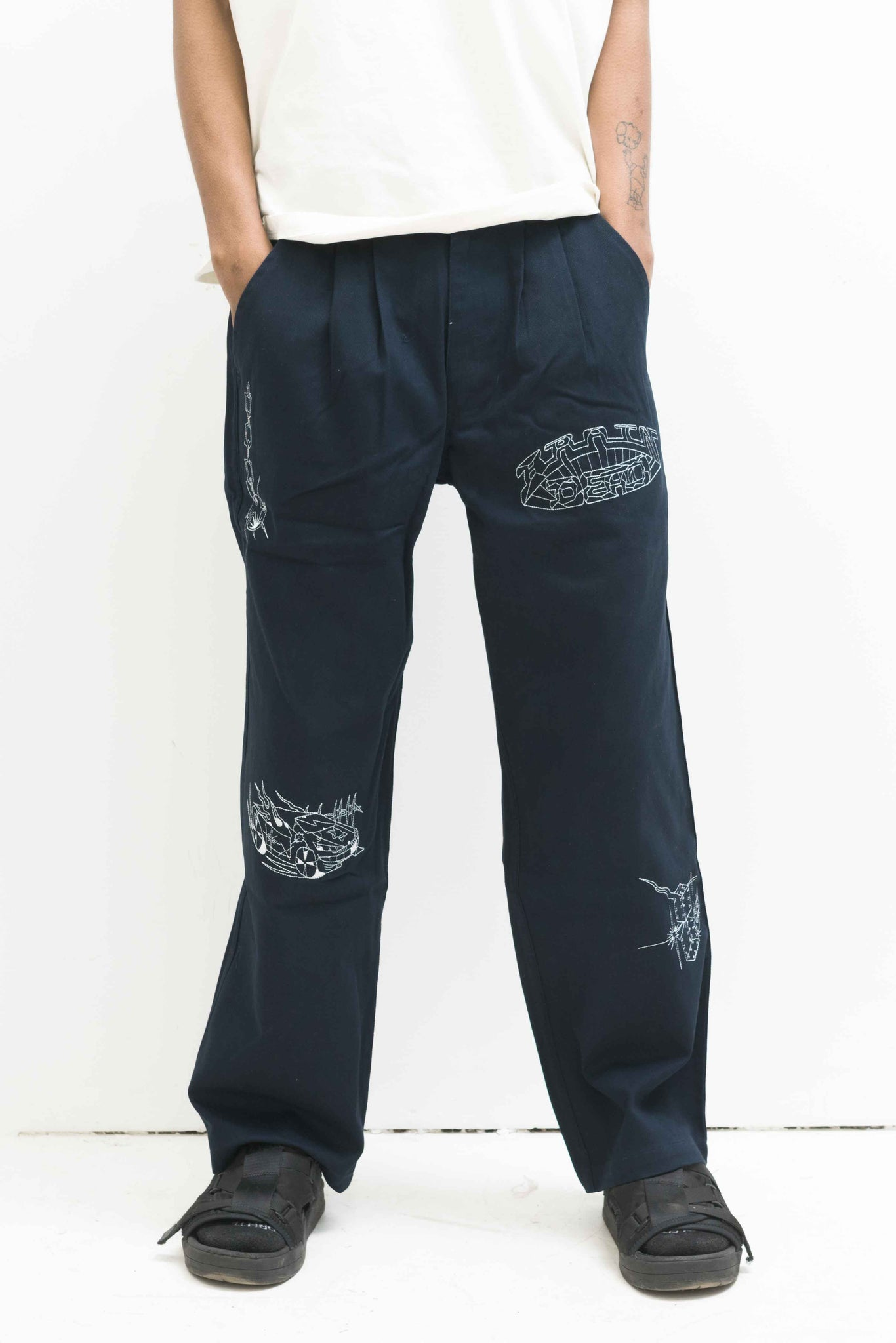 Whips and Chains Wide Leg Pant in Navy